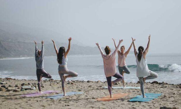 Posizioni yoga: le 8 Asana più conosciute