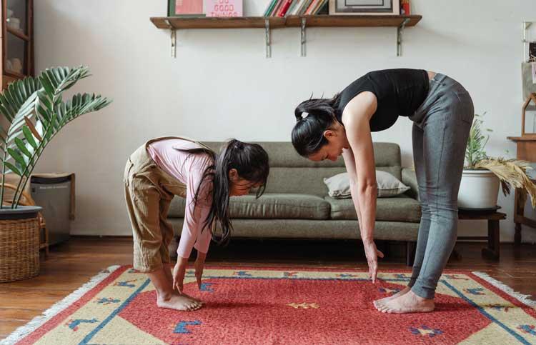 Yoga per bambini: posizioni e benefici