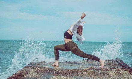 Come vestirsi per fare yoga: consigli per gli acquisti